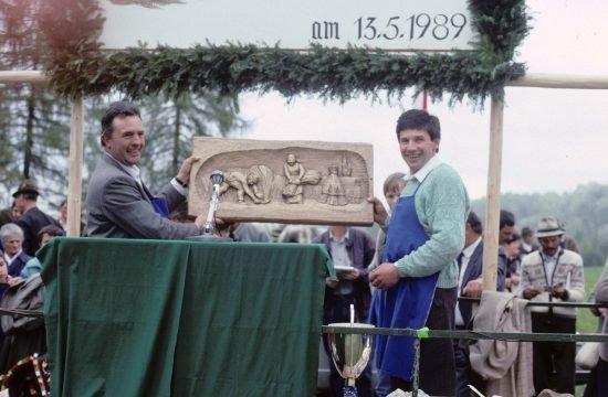 1989 bei der Ausstellung in Deutschnofen mit dem ehemaligen Verbandsobmann Weissensteiner Johann